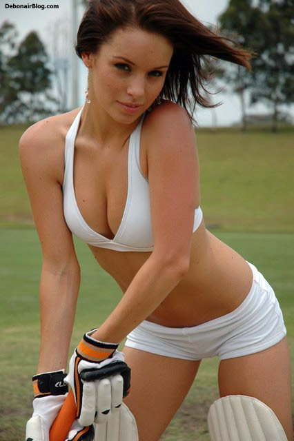 Sexy bikini babes playing cricket pics