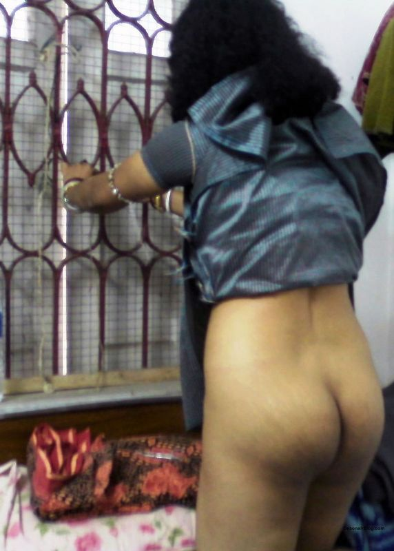 Bengali housewife posing naked & husband showing tiny penis