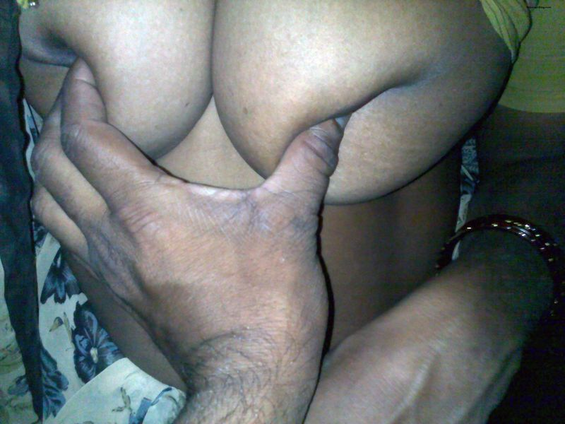 Andhra Aunty Showing Her Big Tits Ass Pussy During Se Foreplay