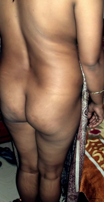 Indian bhabhi showing clean shave chut ass and nipples pulled nude photos