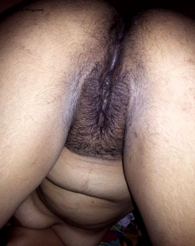 South Indian girl posing nude showing boobs ass cheeks hairy pussy pics