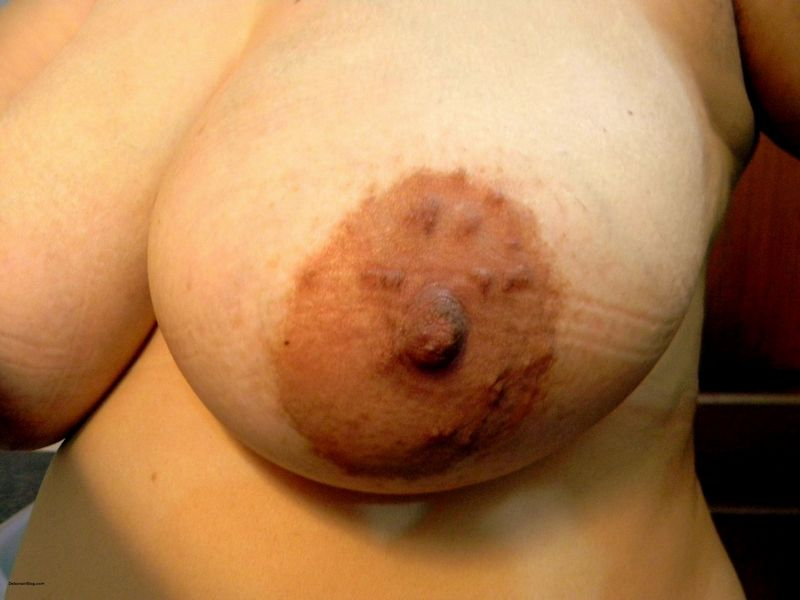Desi fat aunty posing in various bras showing big boobs photos