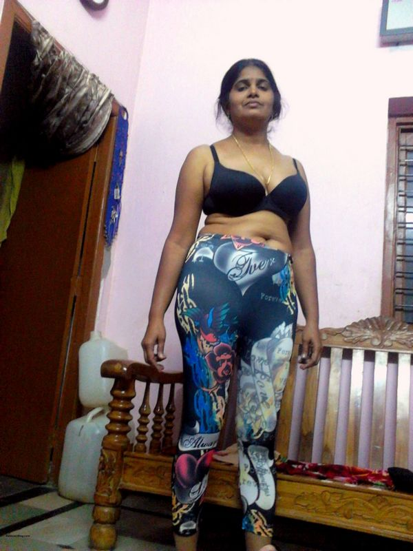 Sexy indian bangalore newly wed teen poonam exposes assets - 1 part 3
