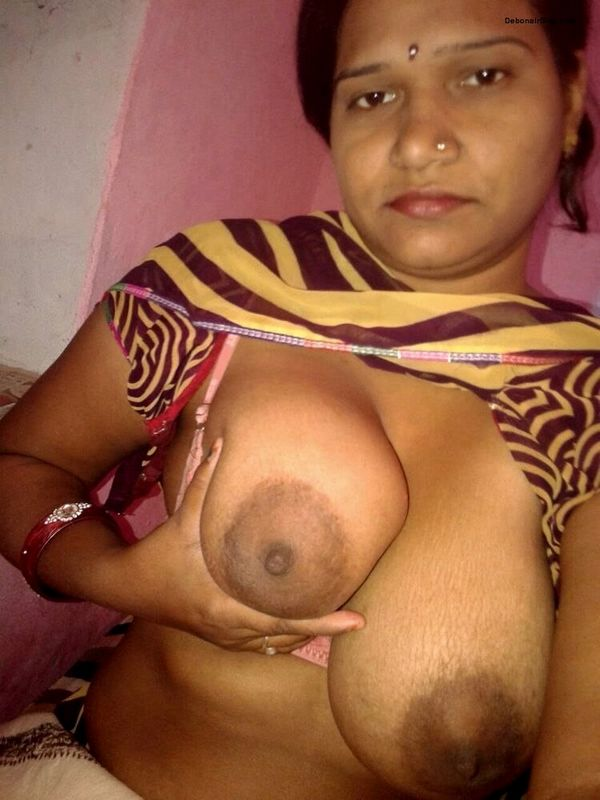 Housewife nude